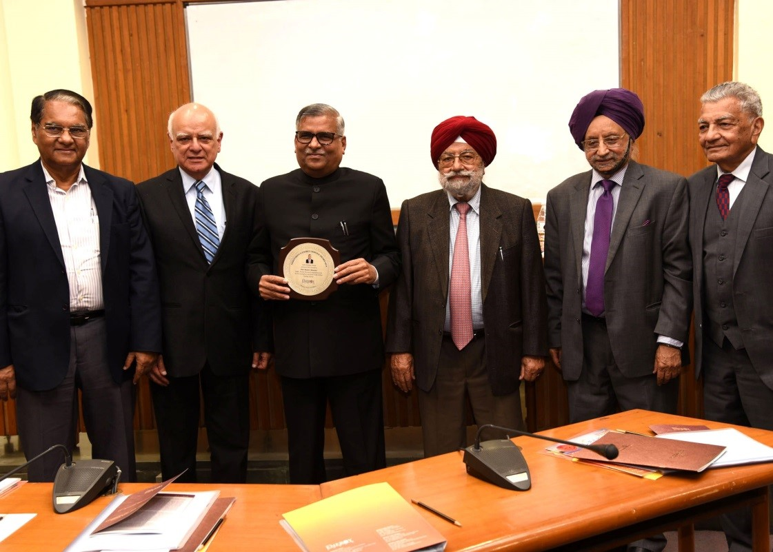 "CMD, PFC awarded with ""Meritorious Energy Service Award"""